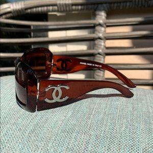 CHANEL silver cc logo sunglasses